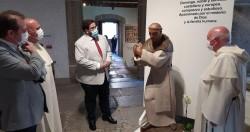 El regidor abulense junto al vicario de la provincia del Rosario